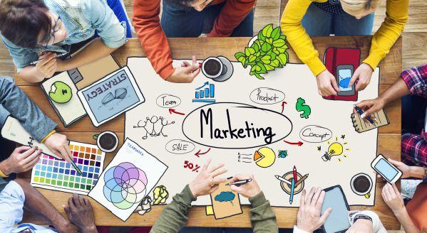 marketing-va-quang-cao-dua-vao-dau-de-phan-biet 2